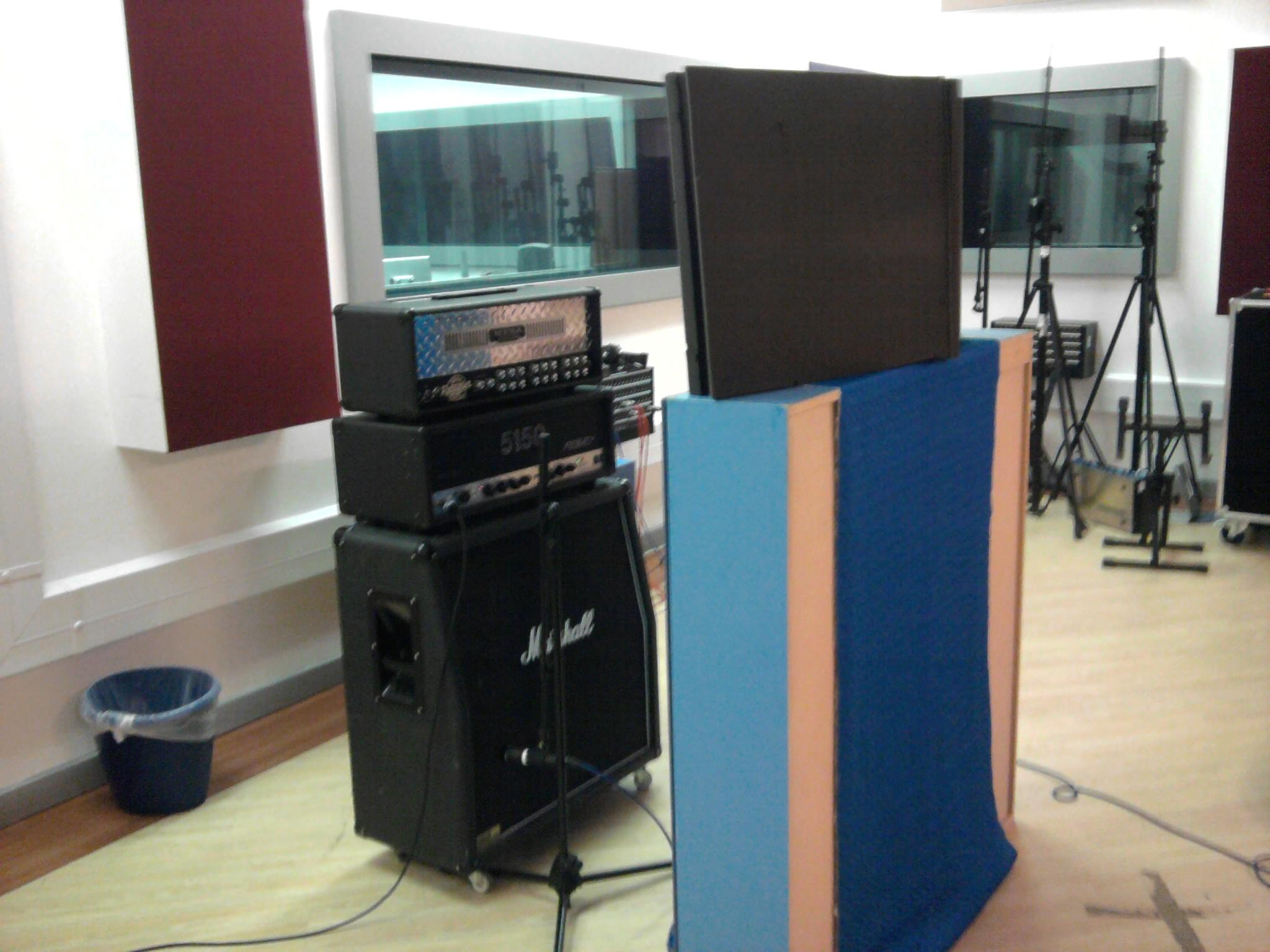 electric guitar recording session metal guitar recording production techniques. Black Bedroom Furniture Sets. Home Design Ideas